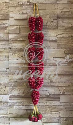 Indian Wedding Flowers, Flower Garland Wedding, Floral Garland, Flower Garlands, Wedding Garlands, Indian Bridal, Wedding Car Decorations, Engagement Decorations, Stage Decorations