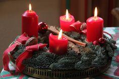 Der Adventskranz. Die Adventskränze.  Am Sonntag, dem 11. Dezember 2016 dürfen wir die dritte Kerze anzünden.