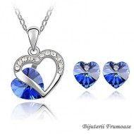 Cercei si colier cristale albastru http://www.bijuteriifrumoase.ro/cumpara/cercei-si-colier-cristale-albastru-52