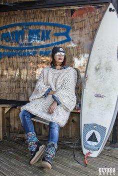 KEYKO model.: POINT BREAK SURF.......