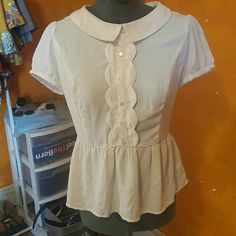 Silky blush top Light pink top with scalloped front and cute collar. Forever 21 Tops