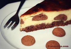 Vooruit, nog een Sinterklaasrecept! Een heerlijke, romige cheesecake met de subtiele smaak van pepernoten (ja, ik weet dat het officieel kruidnoten zijn maar pepernoten bekt lekkerder). Omdat de ch...