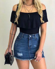 Body preto com saia jeans look outfit looks casuais femininos, roupas legai Best Casual Outfits, Teen Fashion Outfits, Casual Summer Outfits, Chic Outfits, Fashion Models, Girl Outfits, Denim Fashion, Teenager Fashion, Outfits Mujer