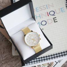 Golden vibes ~ Get this milanese bracelet watch on www.lunapyxis.com  #fblogger #lunapyxis #bracelet #fashionblogger #watches #watch #montres
