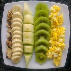 """Adelgazar.consalud compartió una publicación en Instagram: """"¡Deja un ❤ si te gusto! 🤗 . Hola mis amores, siempre incluya frutas en su merienda y en todos sus…"""" • Sigue su cuenta para ver 2,482 publicaciones. Healthy Snacks, Healthy Eating, Healthy Recipes, Fruit Kabobs Kids, Comidas Fitness, Dieta Fitness, Tea Recipes, Smoothie Recipes, Meal Replacement Smoothies"""