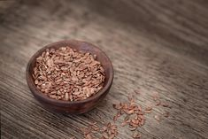 This post shows the benefits of flax seeds especially for skin. Flax seeds can be chosen by depending on the fatty acids essential nutritional value. Flax seeds helps to remove the dead cells on skin. Consume flax seed for the digestion problem. Omega 3, Flax Seed Benefits, Best Way To Detox, Seed Cycling, Ovarian Cyst Treatment, Flaxseed Gel, La Constipation, Crescendo, Detox Your Body