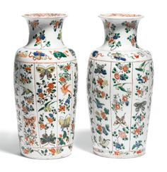 A pair of Chinese famille-verte vases<br>Qing dynasty, 18th/19th century | lot | Sotheby's