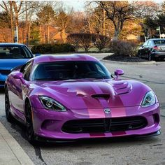 The Dodge Viper VX was unveiled at the 2012 New York Motor Show by the American car company Chrysler. Check Out This Amazing Dodge Viper Video Next Page: Viper Engine and Specifications Dodge Viper, Dodge Challenger, Viper 2017, Us Cars, Sport Cars, Diesel Cars, American Muscle Cars, Amazing Cars, Mopar