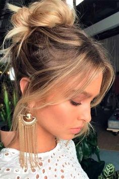 27 Hairstyles for Medium Length Hair: Choose Your Perfect Look - Hair Style Modern Hairstyles, Hairstyles With Bangs, Wedding Hairstyles, Boho Hairstyles Medium, Haircuts, High Bun Hairstyles, Hot Hair Styles, Medium Hair Styles, Natural Hair Styles