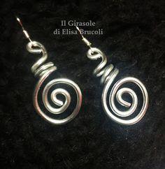 Il GiraSole ❂ : Orecchini pendenti in wire argento con spirale