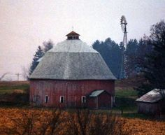 Round Barn  On CR 183 north of Rt 35 (at Pepin) by 7.4 miles.Pepin Co WI