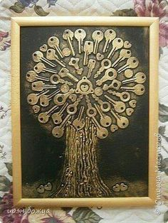 "Discover additional relevant information on ""metal tree art diy"". Take a look at our website. Metal Tree Wall Art, Scrap Metal Art, Metal Artwork, Button Art, Button Crafts, Art Altéré, Wal Art, Vintage Jewelry Crafts, Costume Jewelry Crafts"