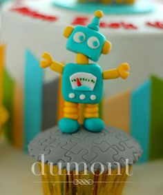 Cute fondant robot cake topper for robot party. Dumont Cake: Robot themed birthday celebration