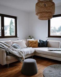 Gemütliche Sofaecke Bei Liebes Ding! #IKEA #wohnzimmer #COUCH #sofa  #senfgelb #pouf #living #wohnen #wohnideen #einrichten #interior #COUCHstyle
