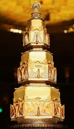 extreme gold wedding cake