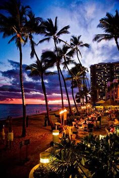You can't beat a Hawaiian beach! - 10 tips for exploring Hawaii on a shoestring budget ◉ re-pinned by  http://www.waterfront-properties.com/
