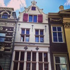 Mijn eerste eigen stekkie :-)  Wijnstraat 127 in Dordrecht Family Roots, Holland, My Town, Childhood Memories, Windmills, Vintage, The Nederlands, Wind Mills, The Netherlands