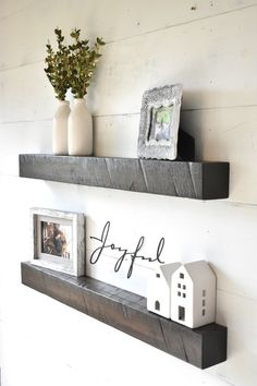 Best home diy wall decor floating shelves ideas Floating Shelf Decor, Wall Shelf Decor, Wood Floating Shelves, Wood Shelves, Storage Shelves, Ledge Shelf, Wall Shelving, Modern Shelving, Diy Wall