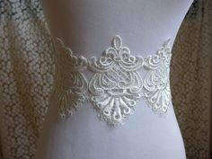 1 yard Vintage Venice lace applique trim in white for bridal, sashes, gown, headbands, costumes Lace Applique, Sash, Lace Trim, Bridal Dresses, Venice, Headbands, Doll Clothes, Jewelry Design, Gowns