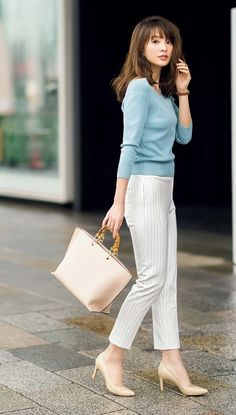 52 Casual Summer Work Outfits for Professionals 2019 - Fashion Enzyme Classy Outfits, Chic Outfits, Casual Work Outfit Summer, Fashion Pants, Fashion Outfits, Spring Outfits Women, Professional Dresses, Elegant Outfit, Work Attire