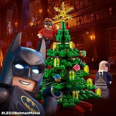 Don't mind Alfred. He's a little tired from all the gift wrapping. Batman Meme, Lego Batman Movie, Im Batman, Batman Art, Batman Stuff, Batman Logo, Lego Dc Comics, Arte Dc Comics, Legos