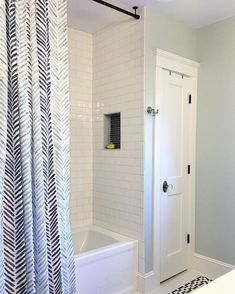 70 Inspiring Farmhouse Bathroom Shower Decor Ideas And Remodel To Inspire Your 43 Curtains The CeilingCurtains Without RodsTension
