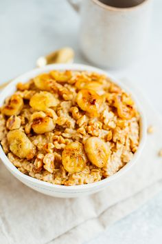 BANANA BREAD OATMEAL with caramelized bananas and toasted walnuts. #cleaneating #oatmeal #bananaoatmeal