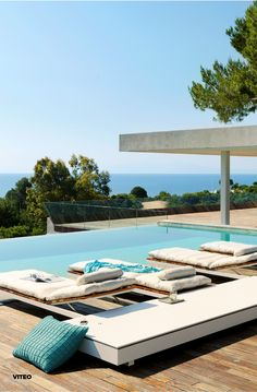 The Pure Architectural Sun Lounger desgined by Viteo has distinctive linear design and is made in premium quality sunbed materials,… Corian, Outdoor Furniture, Outdoor Decor, Timeless Design, Luxury Bedding, Sun Lounger, Teak, Duvet Covers, Around The Worlds