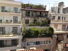 our hotels roof garden in Athens has some pretty cool views, on the other side we can see the Parthenon