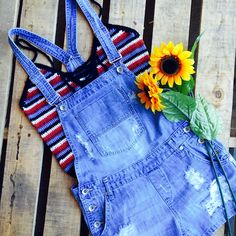 We love layering shortalls over s crop top for a cute casual outfit option. #cute #outfit #lushfashionlounge