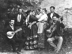 Google Afbeeldingen resultaat voor http://cultured.com/images/image_files/64/1218_o_sacromonte_gypsy_family.jpg