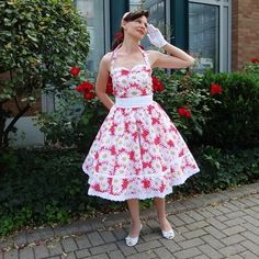 Free downloadable 1950's style dress sewing pattern via Burda Style