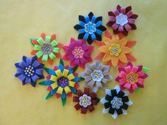 5 daughters: Retro felt flowers
