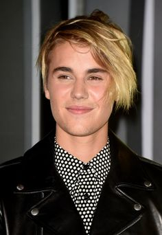Justin Biebers VMAs Windswept Seagull Hair Is Causing - Justin bieber new hairstyle vma