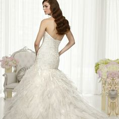 http://www.ckdress.com/fit-and-flare-semi-sweetheart-neckline-wedding-dresses-with-pleated-skirt-p-512.html