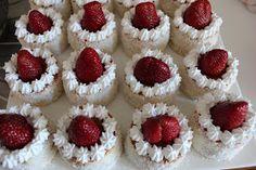 DAMLA ÇİKOLATA: Çilekli Mini Pastacıklar & Kırmızı Başlıklı Kız Pastası