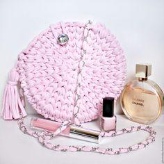 Купить Сумочка-клатч из трикотажной пряжи (сакура) - бледно-розовый, однотонный, вязаная сумка