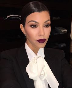 Proof This Celeb Makeup Pro Has Perfected The Art Of Night-Out Glam Kourtney Kardashian's berry pout & flawless face Makeup Pro, Glam Makeup, Pretty Makeup, Beauty Makeup, Makeup Looks, Hair Makeup, Hair Beauty, 1920s Makeup, Perfect Makeup