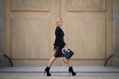 Lalá Rudge com look Miu Miu produção Hype 011 durante Paris Fashion Week // FUNDADA EM 2014, A HYPE 011 É UMA AGÊNCIA QUE REALIZA TRABALHOS DE RELAÇÕES PÚBLICAS, GERAÇÃO DE CONTEÚDO & PESQUISA DE TENDÊNCIAS, CONSULTORIA CRIATIVA & IMAGEM - COM PESSOAS E MARCAS, NACIONAIS E INTERNACIONAIS.