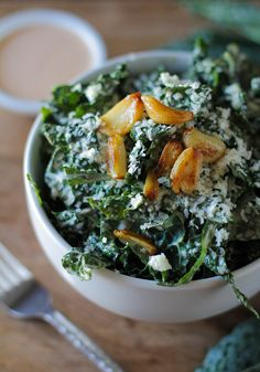 Spicy Kale Caesar Salad with Roasted Garlic - seriously ridiculously delicious!