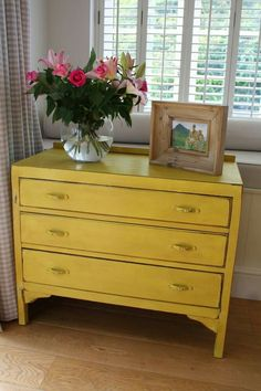 Lovely Shabby Chic Chest of Drawers Hand Painted in Annie Sloan English Yellow Yellow Painted Furniture, Distressed Furniture, Rustic Furniture, Vintage Furniture, Annie Sloan, Furniture Projects, Furniture Makeover, Home Furniture, Trendy Furniture
