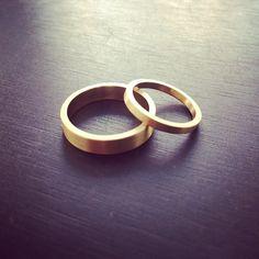 #wedding #rings #loveband #18k #gold #simplicity #vielsesringe #kærlighedsringe…