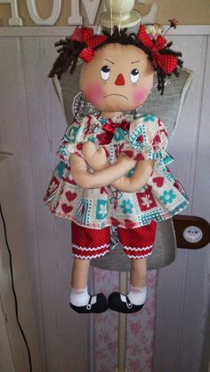 Rag doll things -- Press VISIT link above for more options Primitive Doll Patterns, Tilda Toy, Homemade Dolls, Ann Doll, Raggedy Ann And Andy, Sewing Dolls, Soft Dolls, Doll Crafts, Doll Clothes Patterns