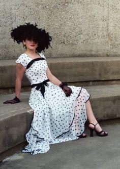 retro style dress white with black polka dots