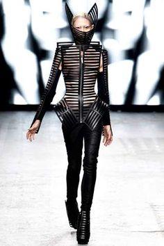 63 Examples of Skeletal Fashion - Modernize Your Skeleton Halloween Costume with Fashion Inspiration