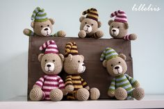 Picture only, no pattern Crochet Teddy, Crochet Bear, Crochet For Kids, Crochet Animals, Crochet Dolls, Softies, Handmade Toys, Paper Dolls, Crochet Projects