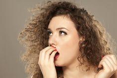 8 Weird Ways to Stop Bad Breath & Whiten Teeth Freshen Bad Breath & Whiten Teeth With 8 Weird Tricks That Actually Work Teeth Whitening Methods, Charcoal Teeth Whitening, Natural Teeth Whitening, Whitening Kit, Best Toothpaste, Bad Breath Remedy, White Teeth, Oral Hygiene, Breathe
