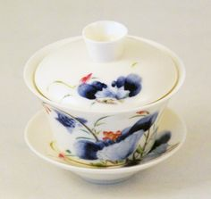 Lotus Blossom Chinese Porcelain Gaiwan (Small) by Made in Jingdezhen