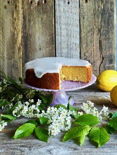 Sitronkake med melisglasur Crazy Cakes, Camembert Cheese, Food And Drink, Dairy, Baking, Birthday Ideas, Caramel, Bakken, Backen