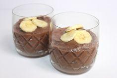 Μους σοκολάτα με φρέσκες μπανάνες